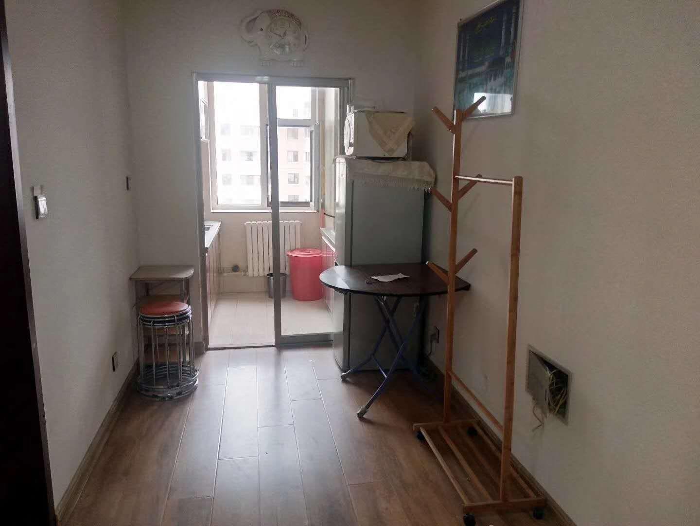 吉森春城小区1室1厅1卫55平方1500元/月
