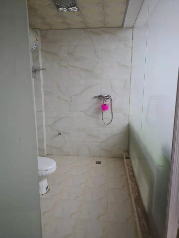 金帛山3室2厅2卫139.5平方50万