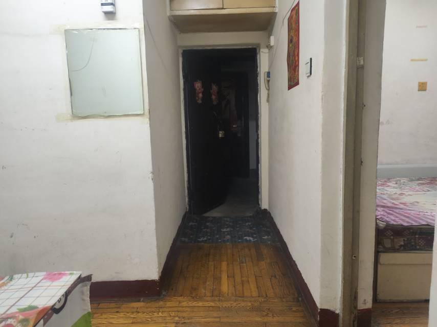 40街区2室1厅1卫50平方900元/月