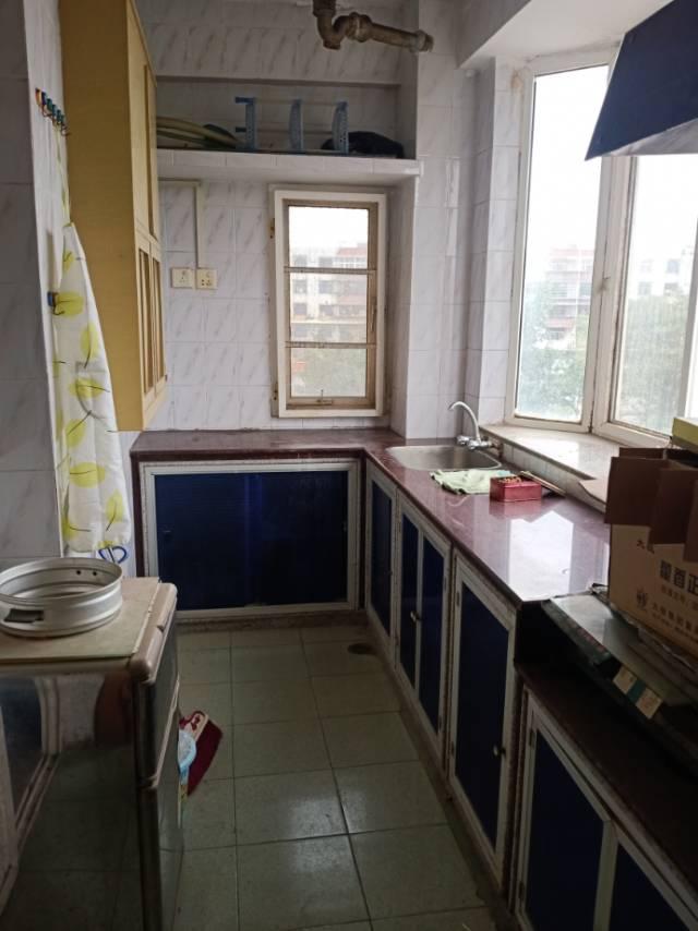 福炼生活区南区3室2厅2卫110平方1800元/月