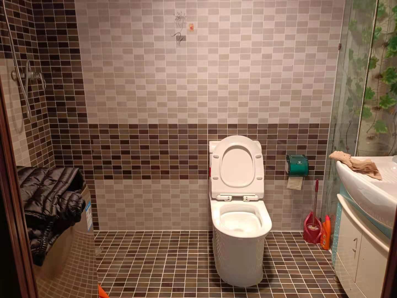 德意经典2室2厅1卫96平方1800元/月
