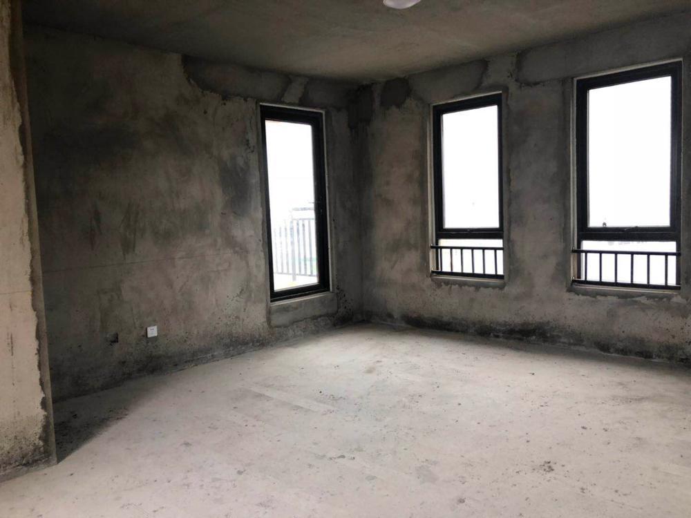 泉山湖公园里3室2厅2卫145.88平方120.00万