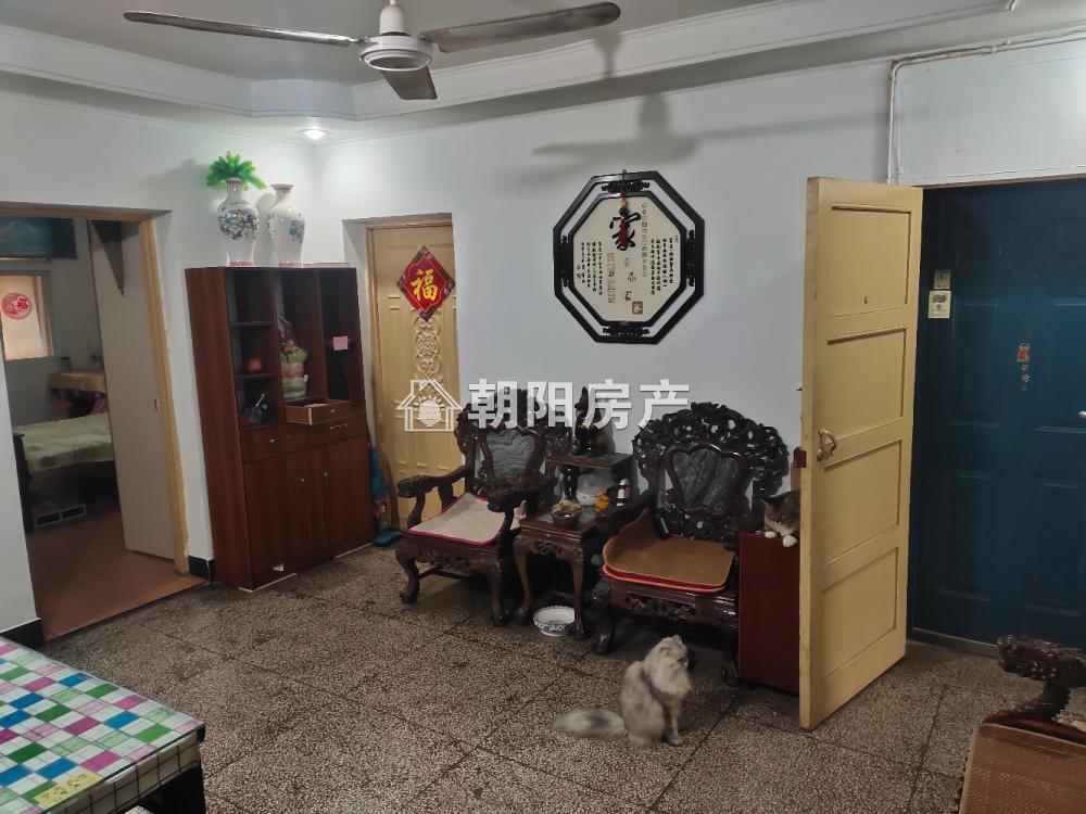 土产公司家属楼4室1厅1卫93.00平方25.50万