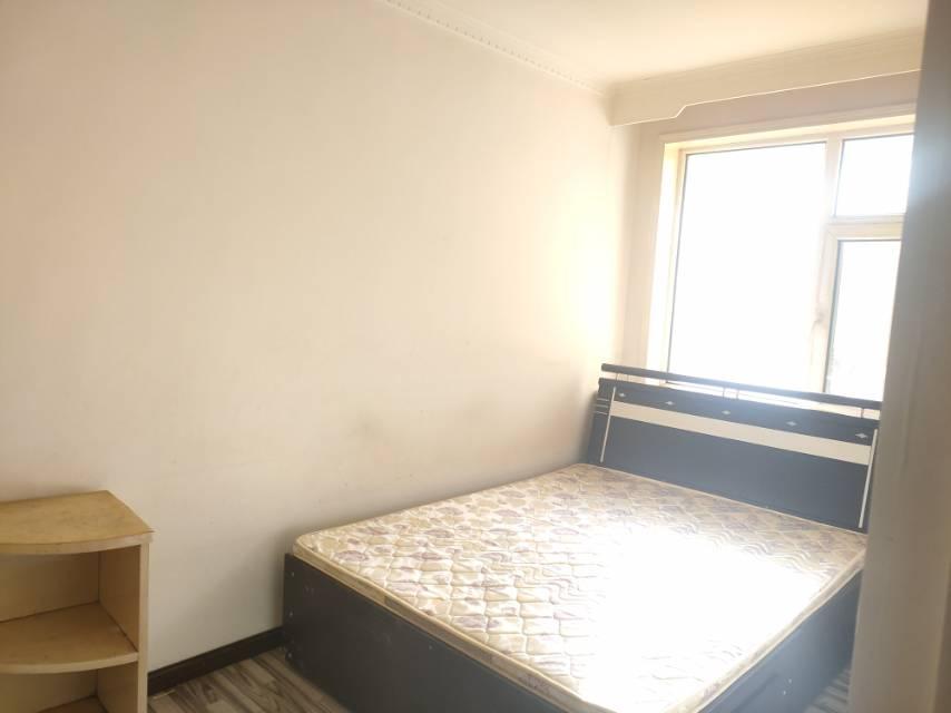 26街区2室2厅1卫100平方1600元/月