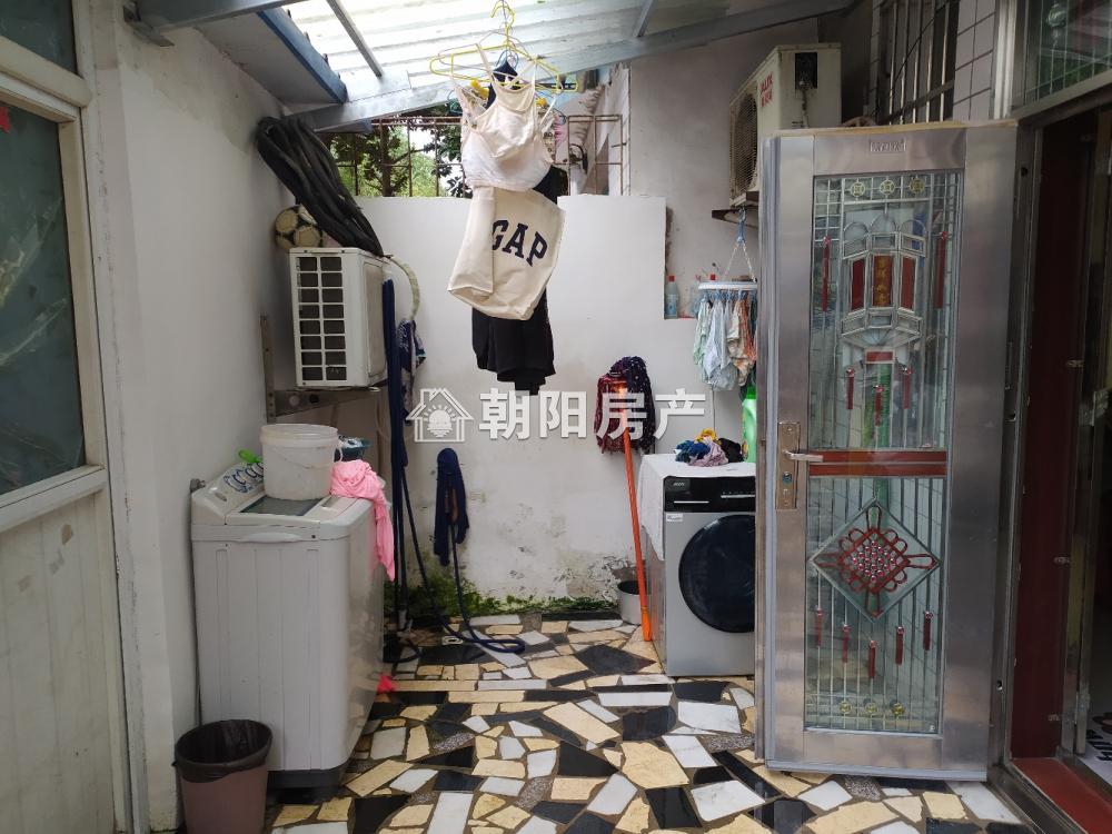 绿苑山庄2室2厅1卫133.60平方99.00万