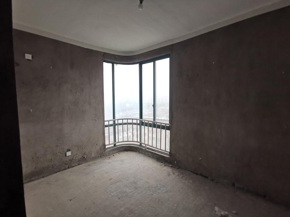 香榭华都东区3室2厅2卫119.92平方58.00万