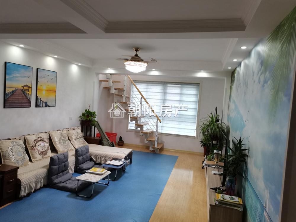 半山观邸3室2厅2卫 跃层 实际面积160多 精装修 采光好