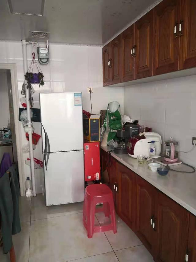 安居小区(锦西路)2室1厅1卫72平方1800元/月