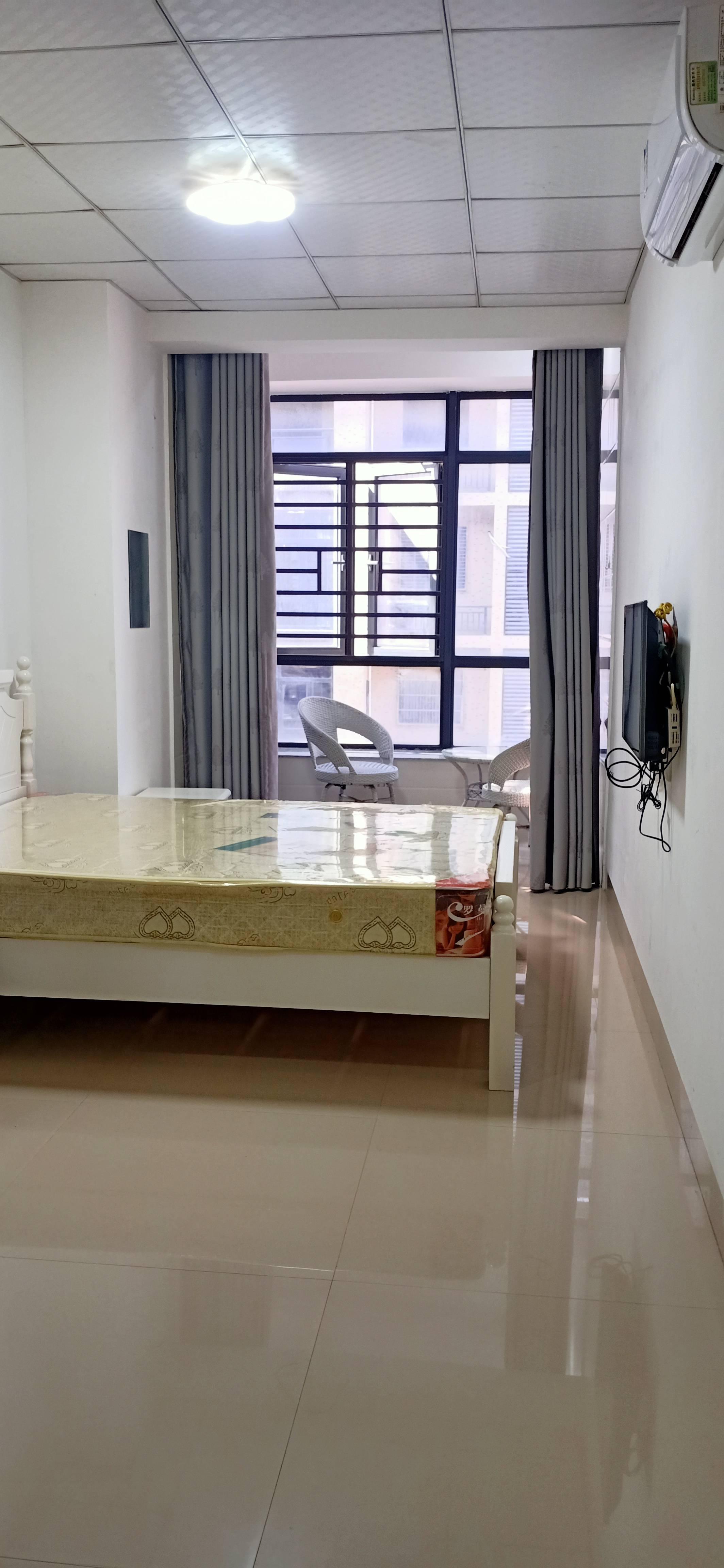 新民街1室0厅1卫30平方1000元/月