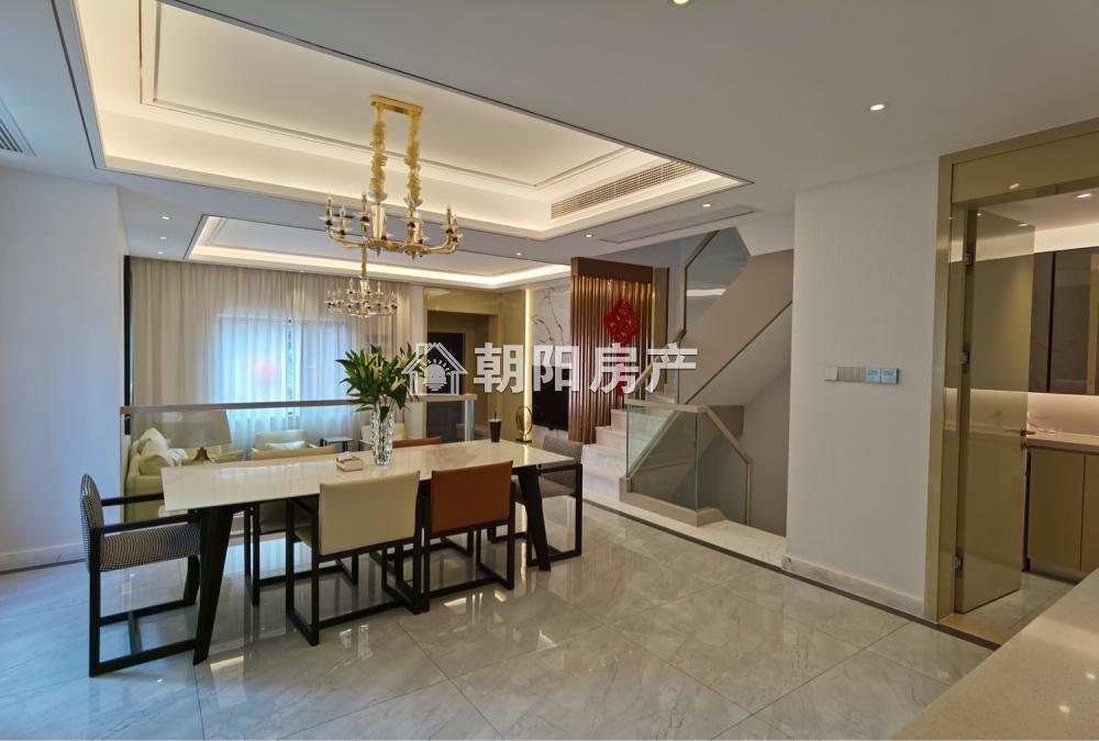泉山湖雍景湾4室3厅3卫194.27平方386.00万