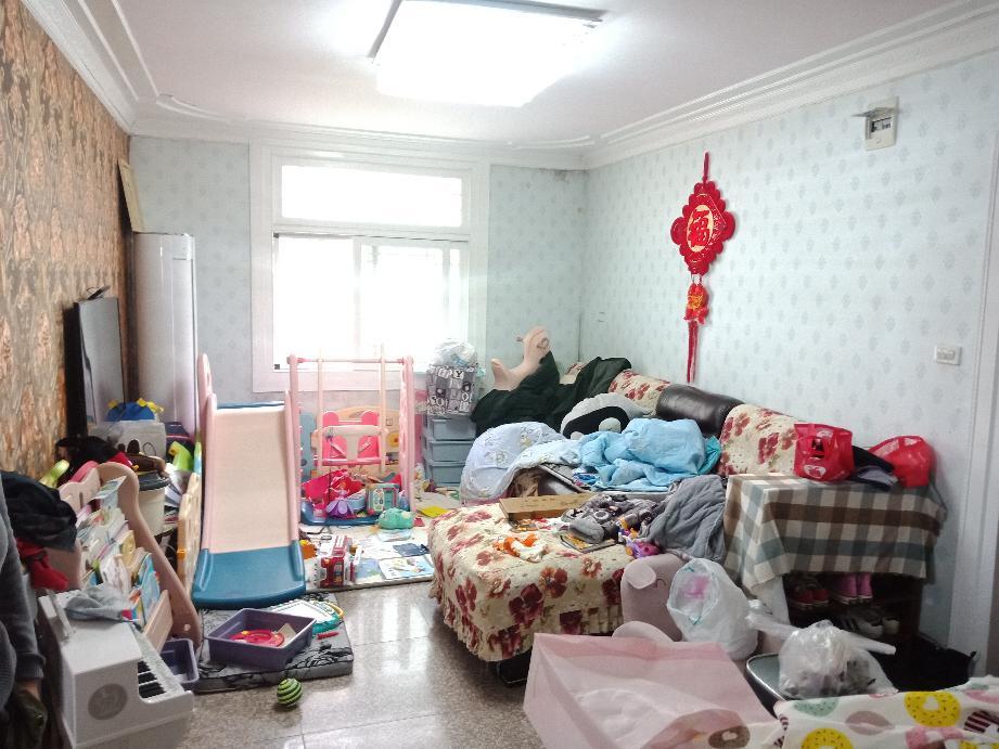 新世纪小区2室2厅1卫92.17平方26万