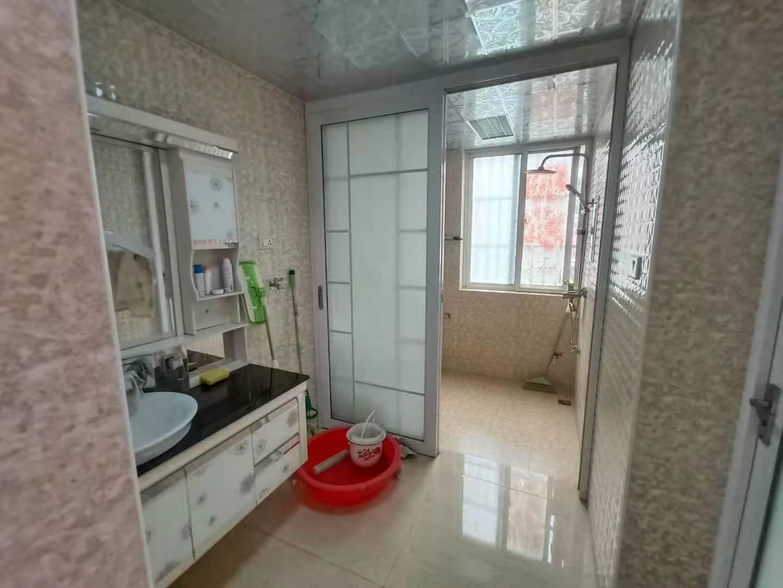 精装婚房2室1厅,基本没住,保持整洁干净