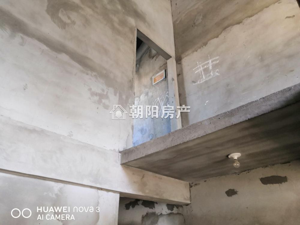 淮河嘉苑5室2厅2卫144.21平方47.00万