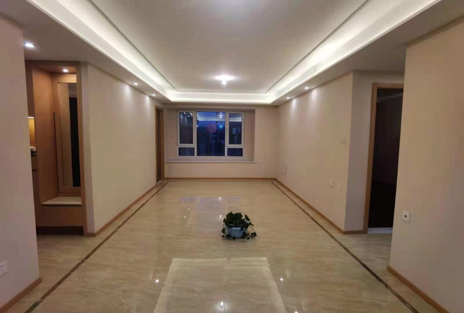 万科城市之光3室2厅1卫107平方2800元/月