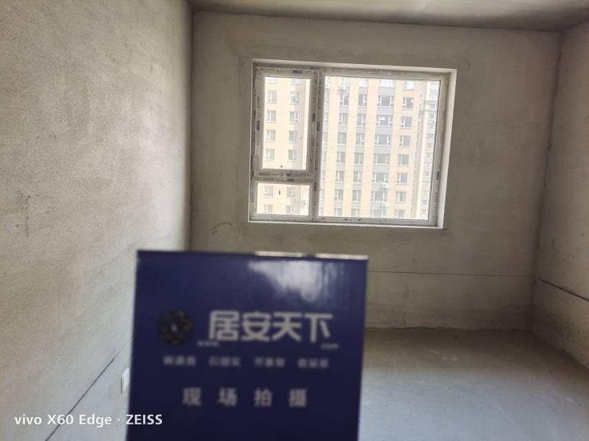 荣鼎康城2室2厅1卫106平方91万