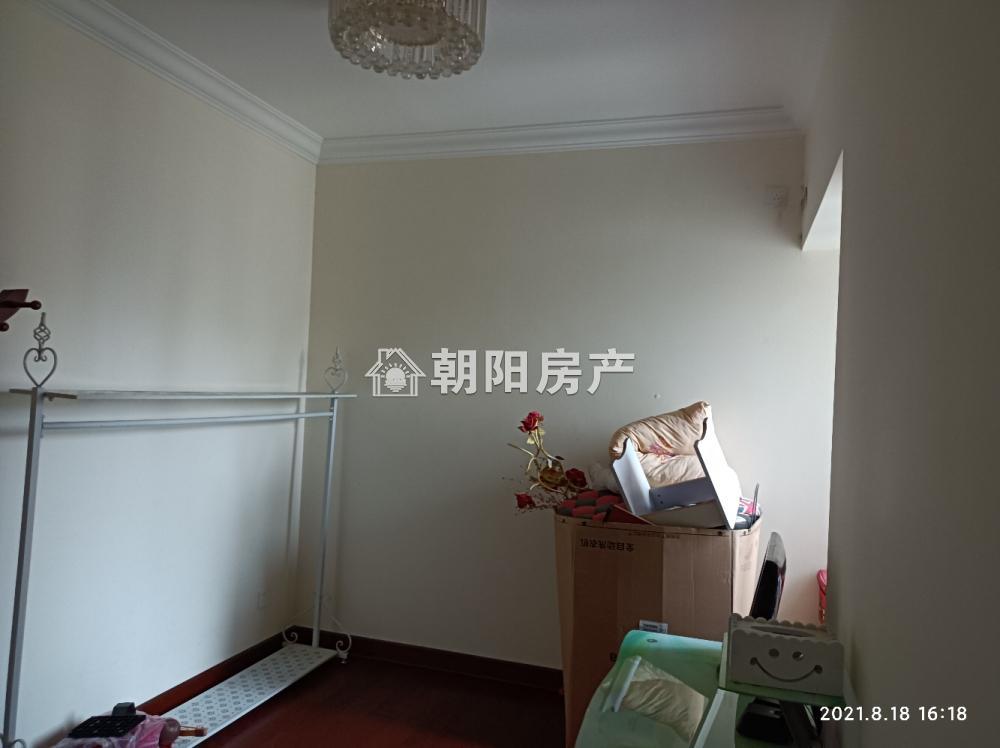 恒大绿洲3室2厅2卫116.46平方2400元/月