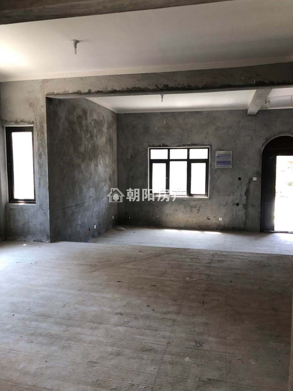 泉山湖雍景湾5室3厅3卫194.27平方200.00万