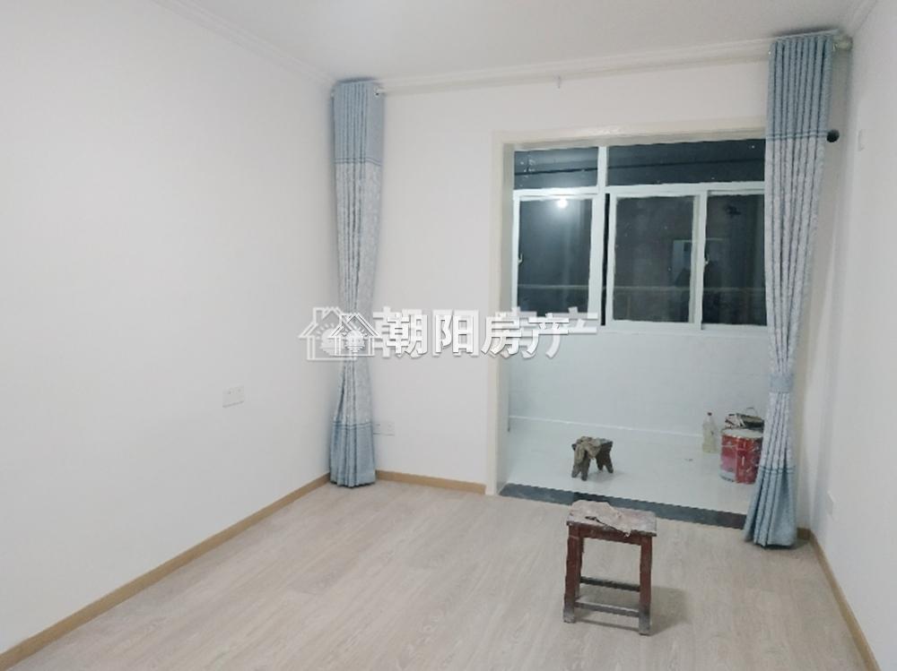 安装处新东村2室1厅1卫61.84平方700元/月