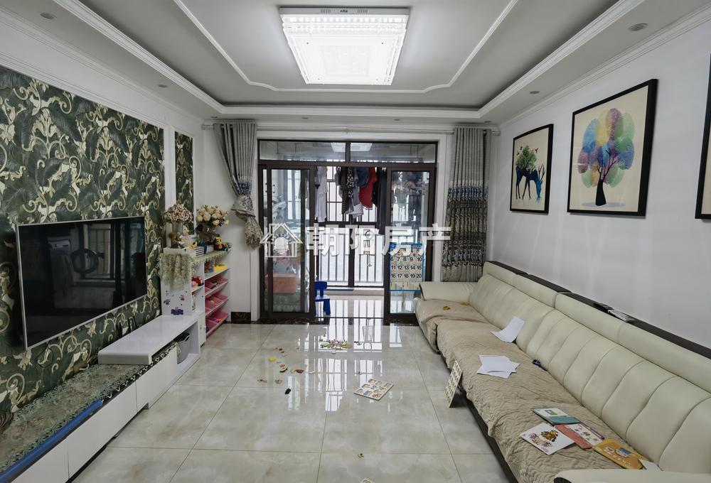 泉山湖香颂小镇N区3室2厅1卫104.61平方85.00万