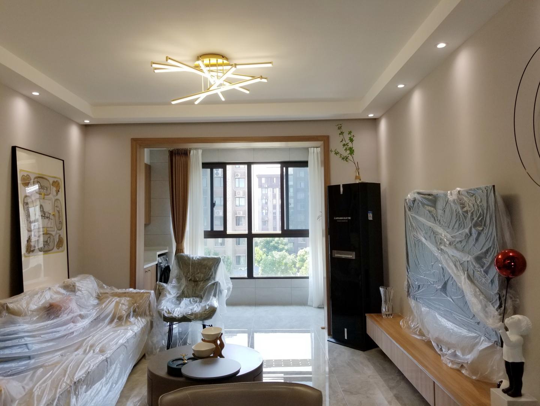 南山院4室2厅1卫120.29平方123.00万