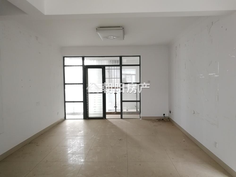 家乐福3室2厅2卫142.12平方1500元/月