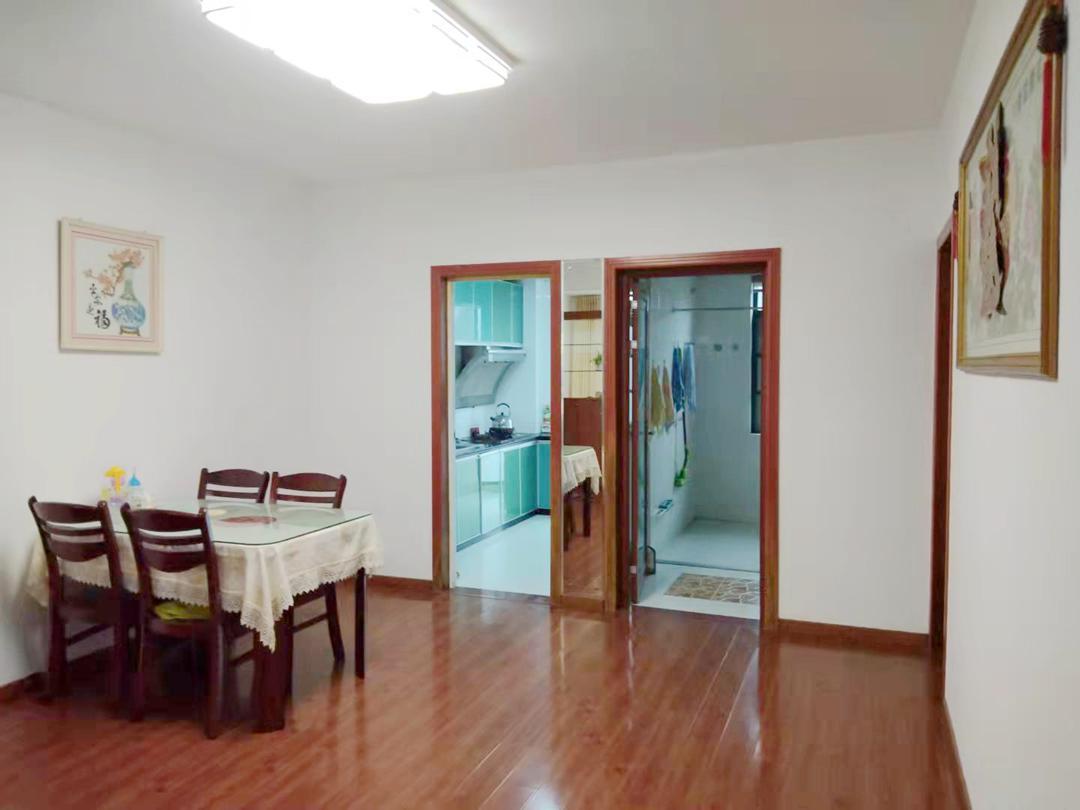 南山村D区3室2厅1卫106.95平方122.00万
