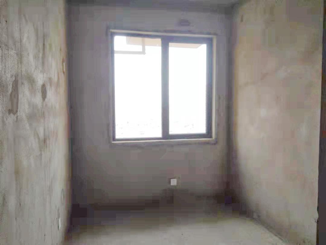 富力公馆4室2厅1卫131.57平方96.00万