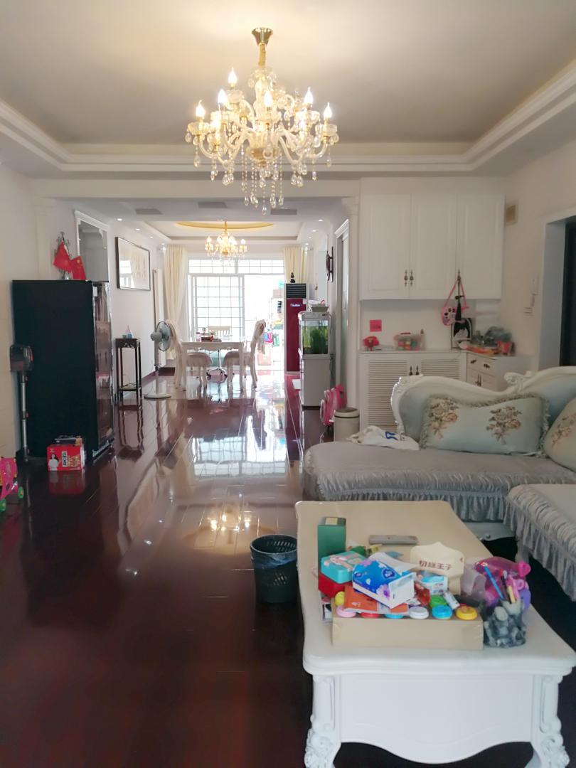 绿苑山庄3室2厅2卫精装洋房出售