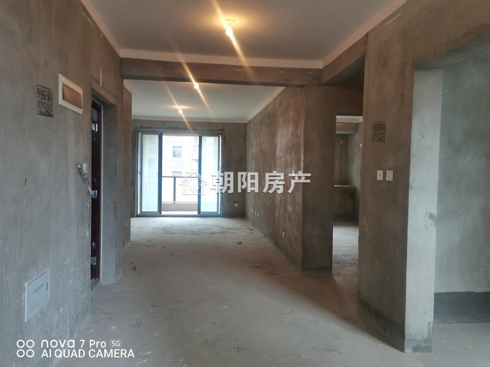 南山院3室2厅2卫118.89平方100.00万