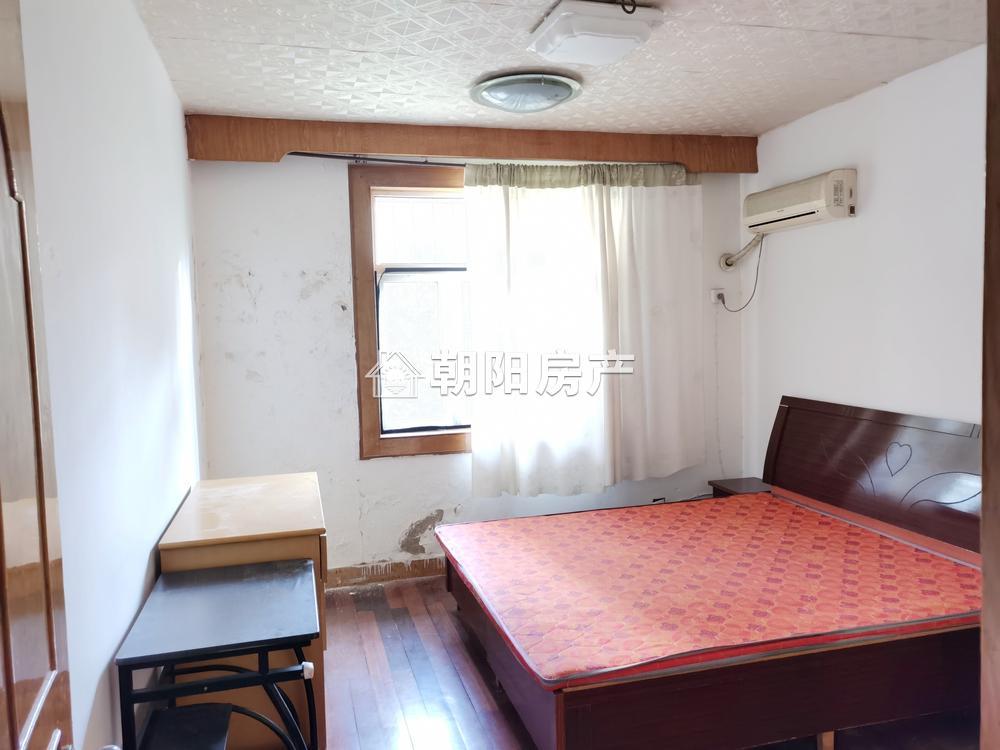 柏园医药公司家属楼2室1厅1卫61平方700元/月