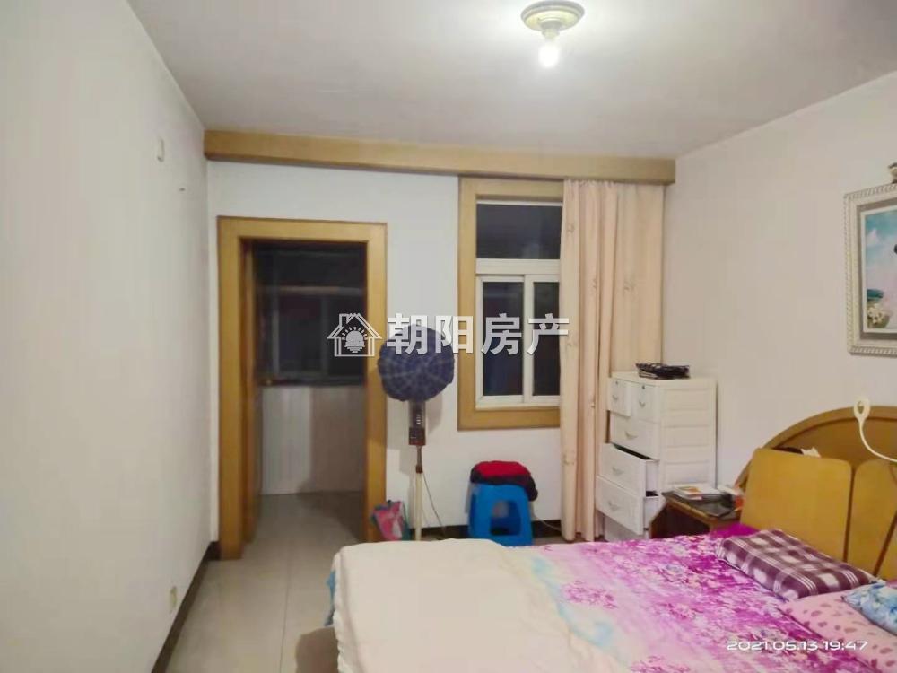 铁路西村2室1厅1卫69.87平方800元/月