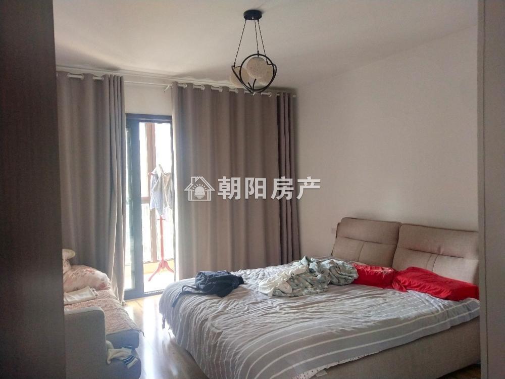 泉山湖龙湾4室3厅2卫160.02平方248.00万